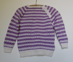 Hjemmestrikkede trøjer til små børn og babyer