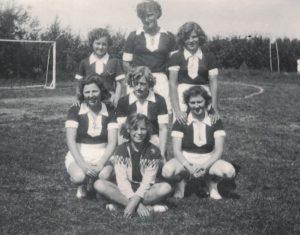 Arkiv billeder fra Fejø, damehåndboldhold