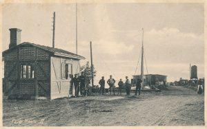 Arkiv billeder fra Fejø, vejerboden ved Dybvig Havn,