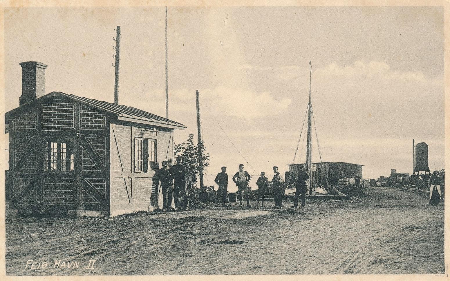 Vejerboden ved Dybvig Havn, Fejø, postkort, cirka 1910